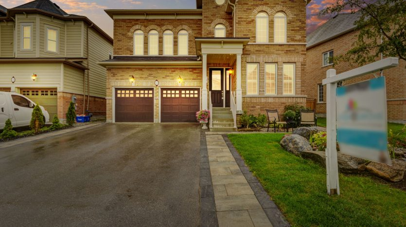33 Leith Dr., Bradford For Sale